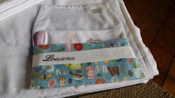 pochette atelier de couture serviette table