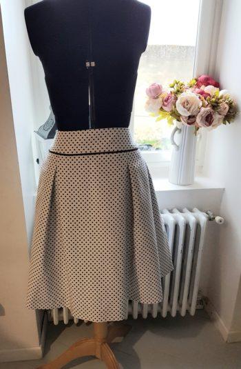 confection jupe sur mesure personnalisé couture atelier