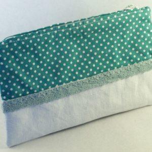 Pochette en tissu et dentelle