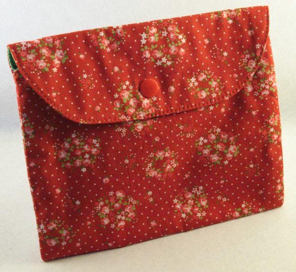 pochette en tissu fleuri rouge