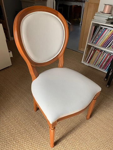 chaise médaillon avant